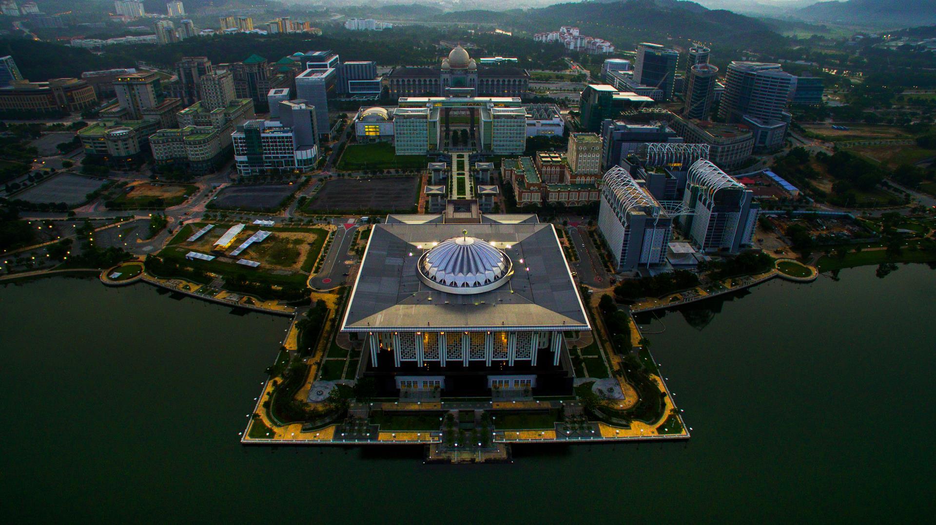 Masjid Tuanku Mizan Zainal Abidin aerial fotografi